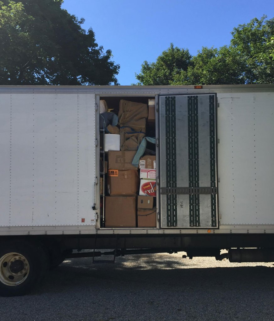Moving-Truck-Move-in-2015