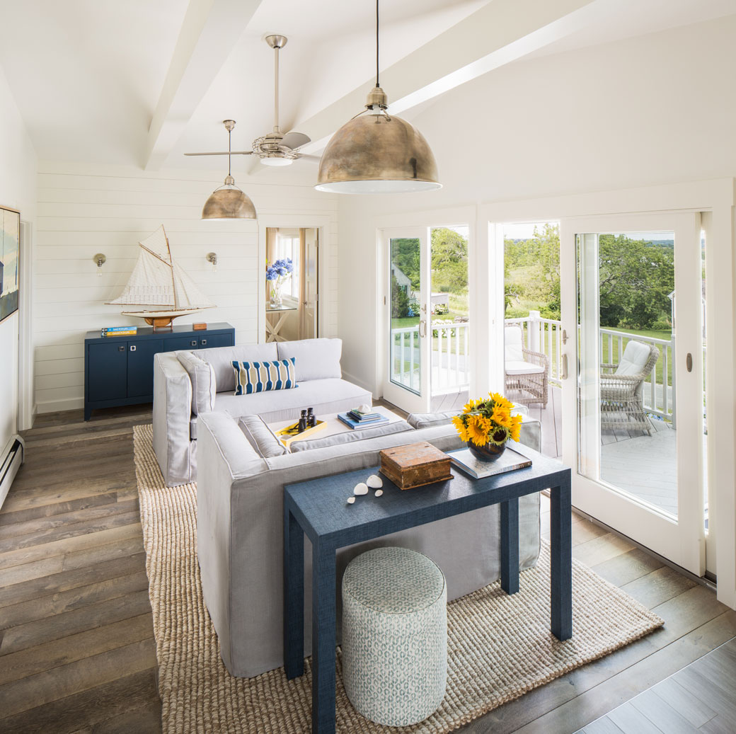 Before after modern beach cottage in good taste for Beach cottage interior designs