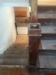 stairwell-upstairs